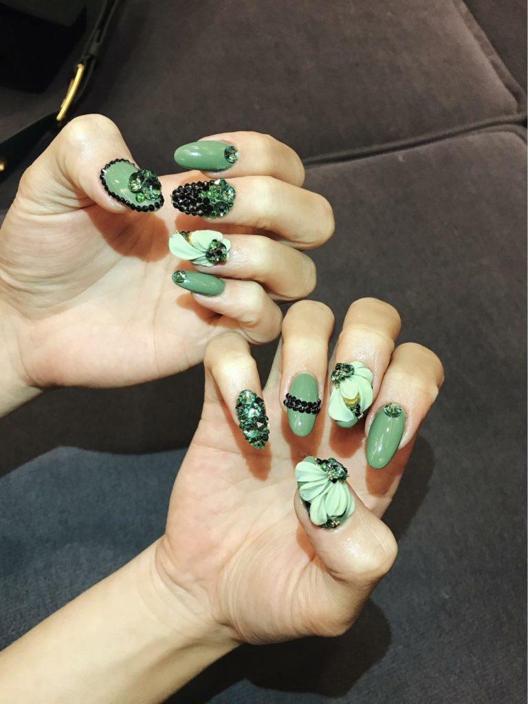 các mẫu nail hoa nổi đẹp