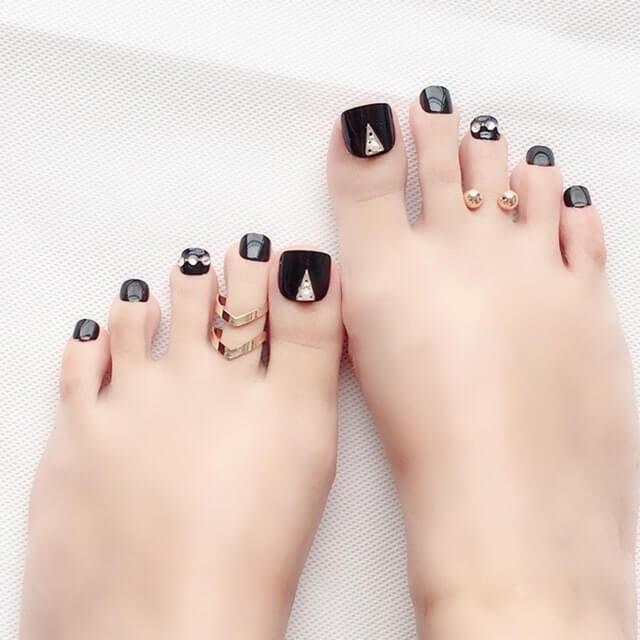 đính đá móng chân