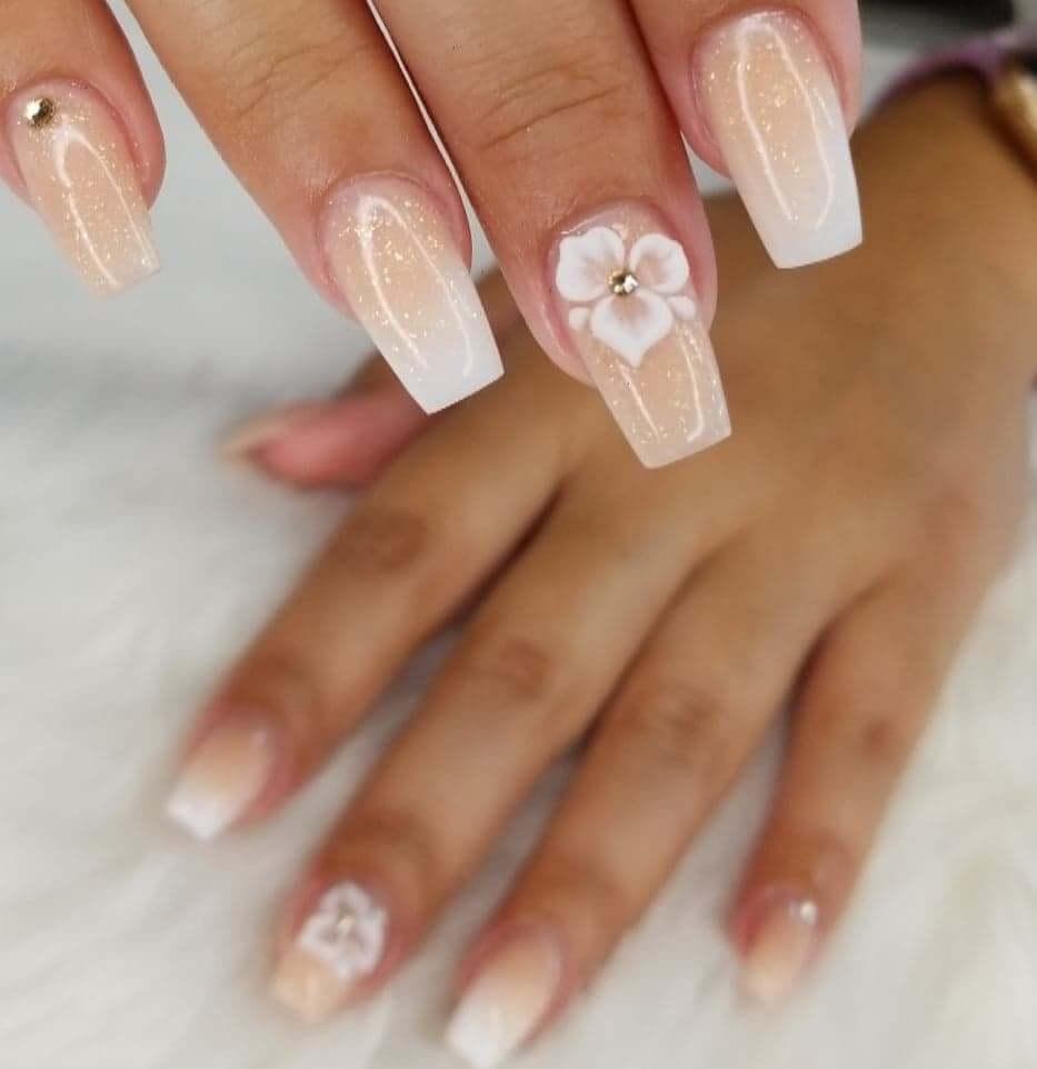 những mẫu nail hoa đẹp