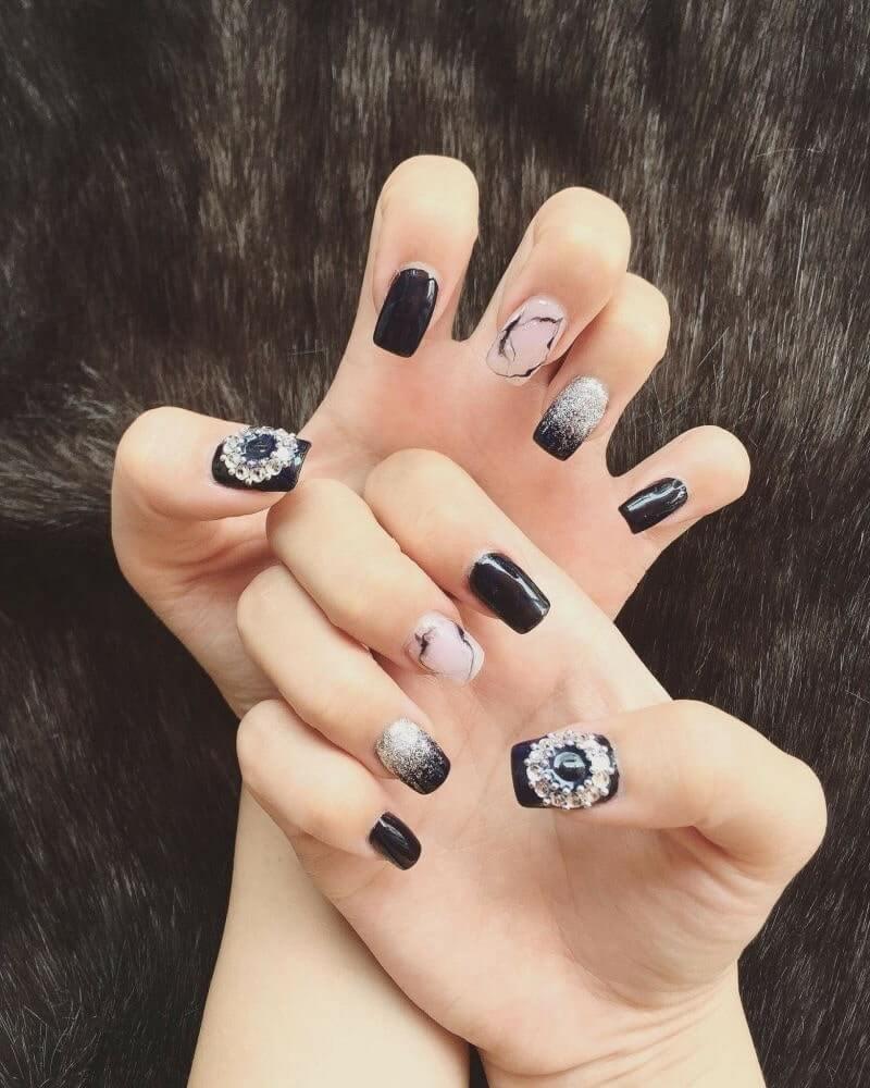 những mẫu nail đẹp tết đơn giản