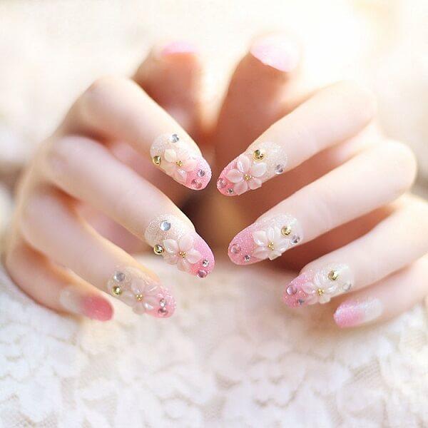 những mẫu nail hoa nổi