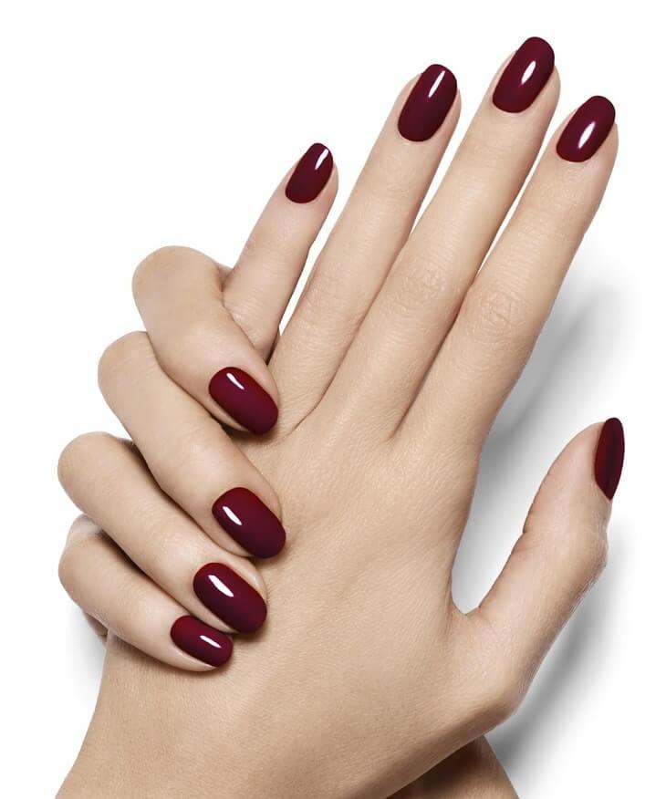 màu sơn móng tay phù hợp da ngăm đen
