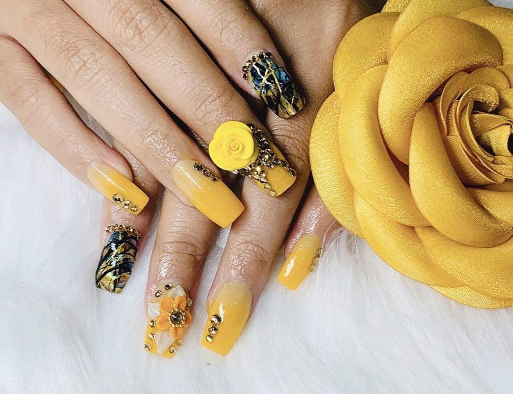 các mẫu nail hoa nổi